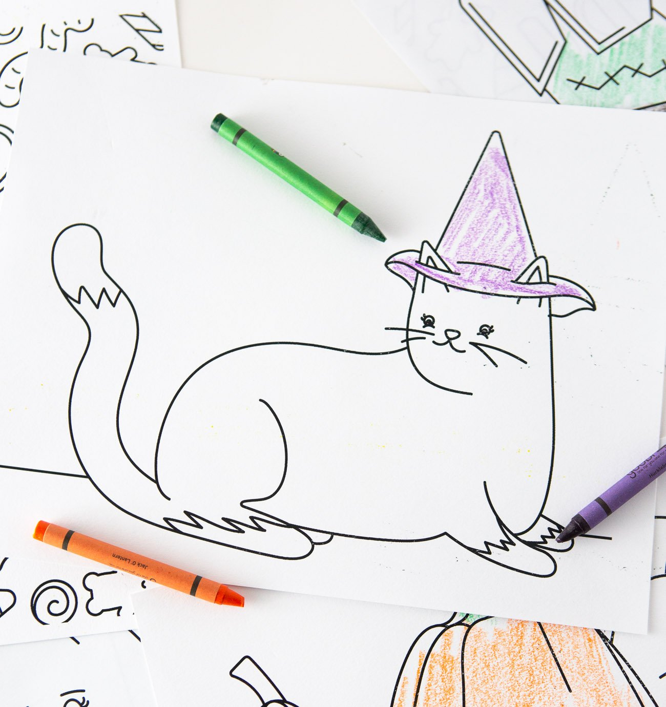 Cat with Witch Hat Free Halloween Coloring Pages