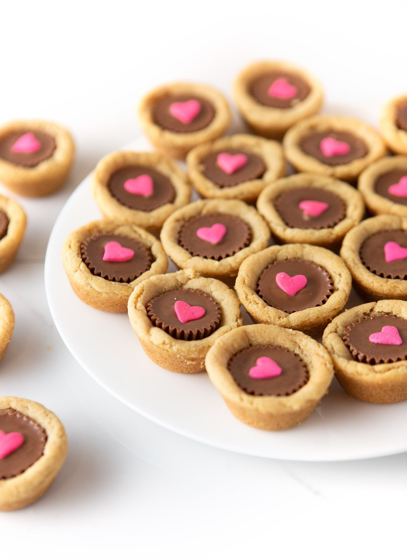 Reeses Peanut Butter Valentines Cookie Cups