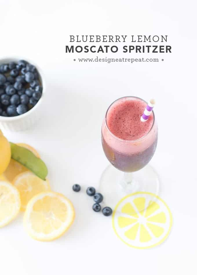 Blueberry Lemon Moscato Spritzers - These are so delicious & make the perfect summer refresher!