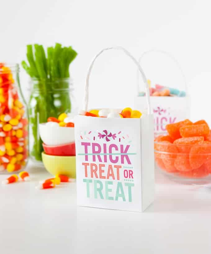 "Download these ""Treat or Treat"" labels by Design Eat Repeat.jpg"