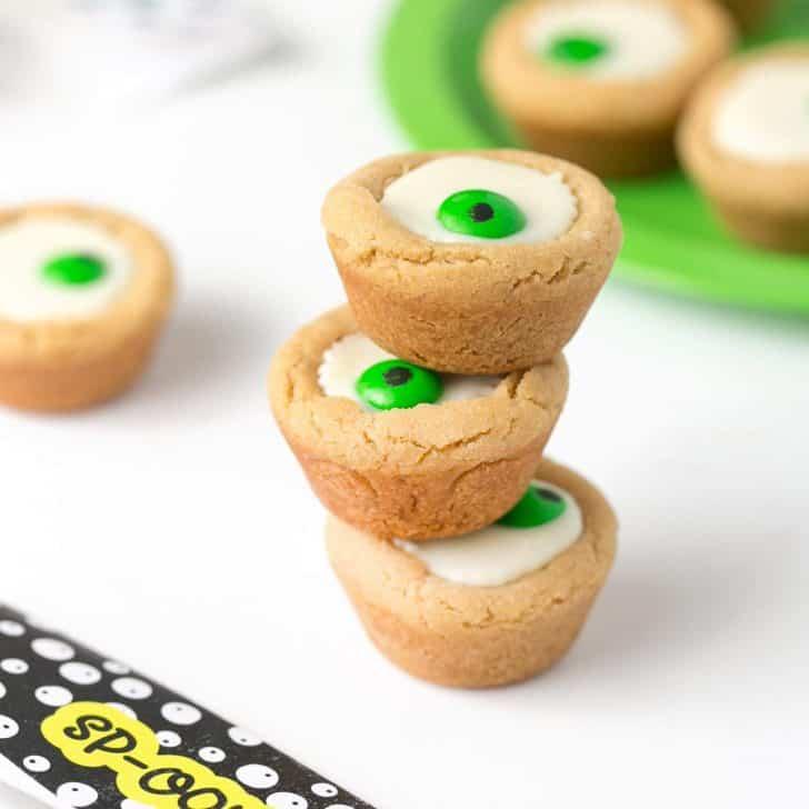 Easy Peanut Butter Cup Eyeball Cookies