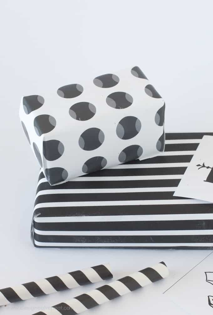 Free Printable Black & White (Halloween) Gift Wrap
