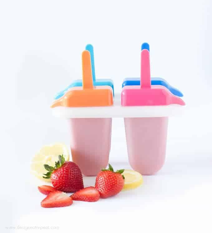 Homemade Strawberry Lemonade Daquiris    Recipe at Design Eat Repeat