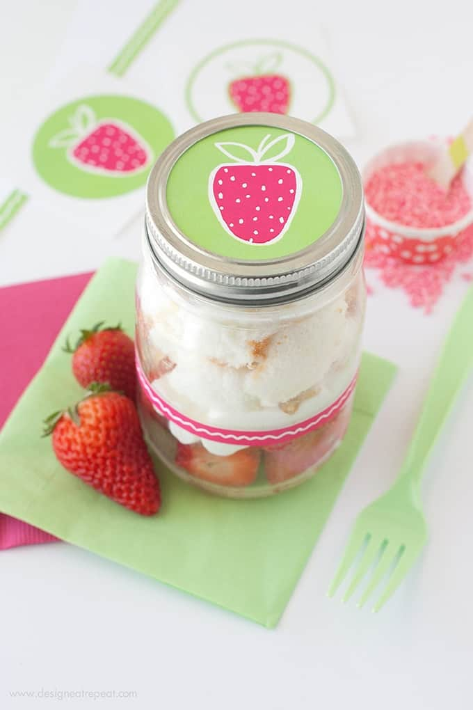 How to Make DIY Angel Food & Strawberry Jars | Includes the FREE printables to decorate!