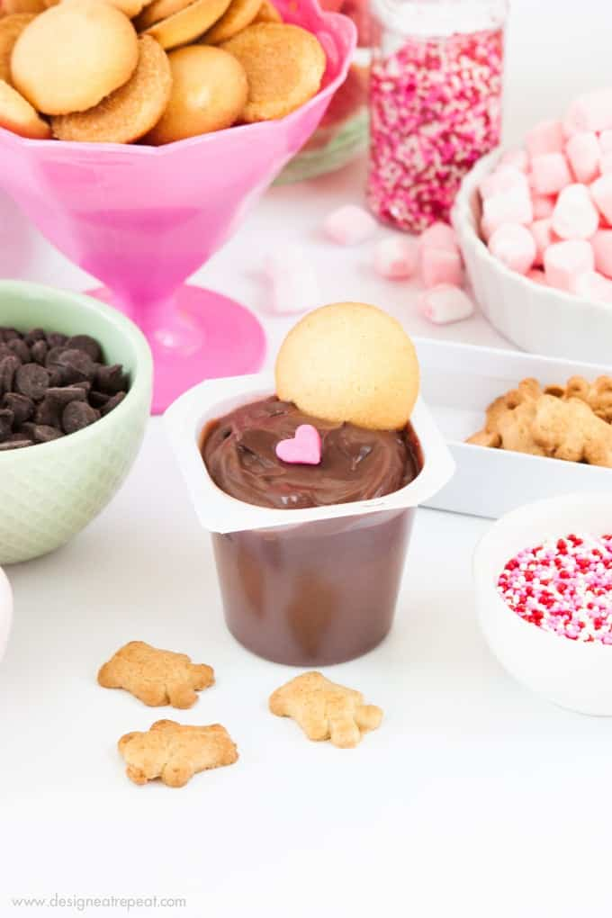 Learn how to make a DIY Pudding Cup Bar on Design Eat Repeat!