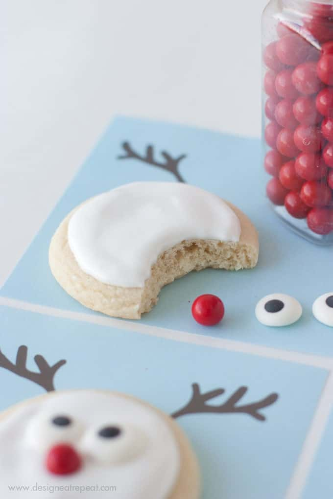 Make Reindeer Sugar Cookies with this fun Printable |  A Christmas Cookie Decorating Idea