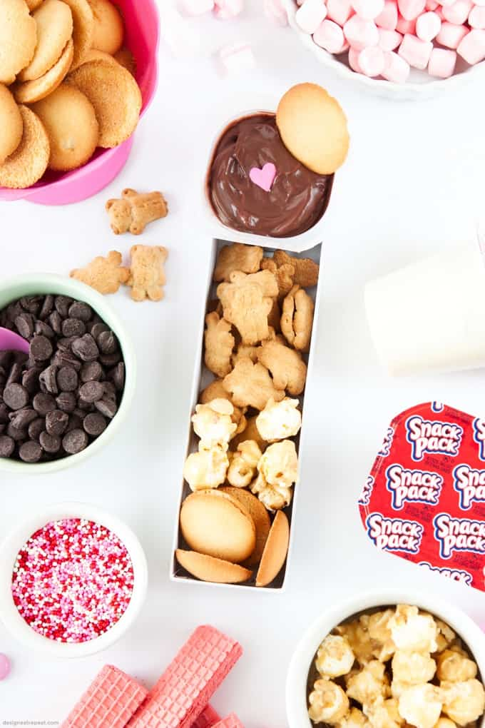 Make homemade Dunkaroos with a pudding cup & your favorite dippers!