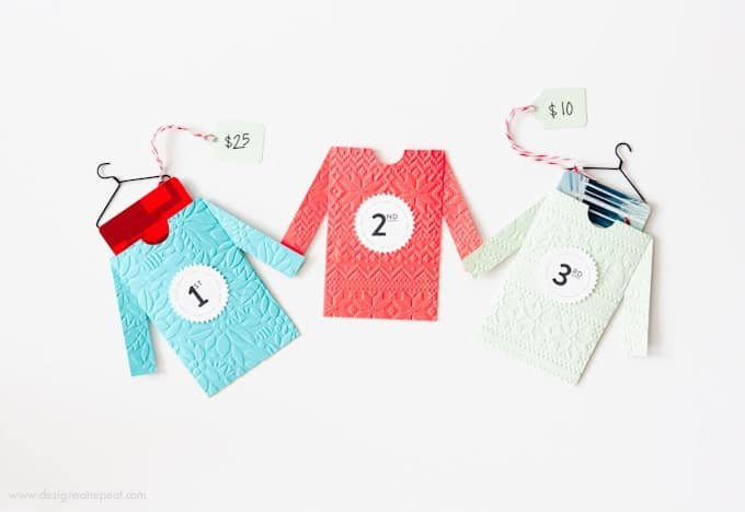 Make these cute DIY sweater gift card envelopes for fun Ugly Sweater Party prizes! Includes a free printable from Design Eat Repeat!