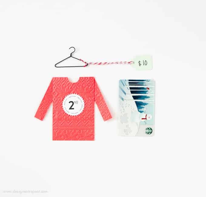 Make these cute DIY sweater gift card envelopes for fun Ugly Sweater Party prizes! Includes free printables from Design Eat Repeat blog!