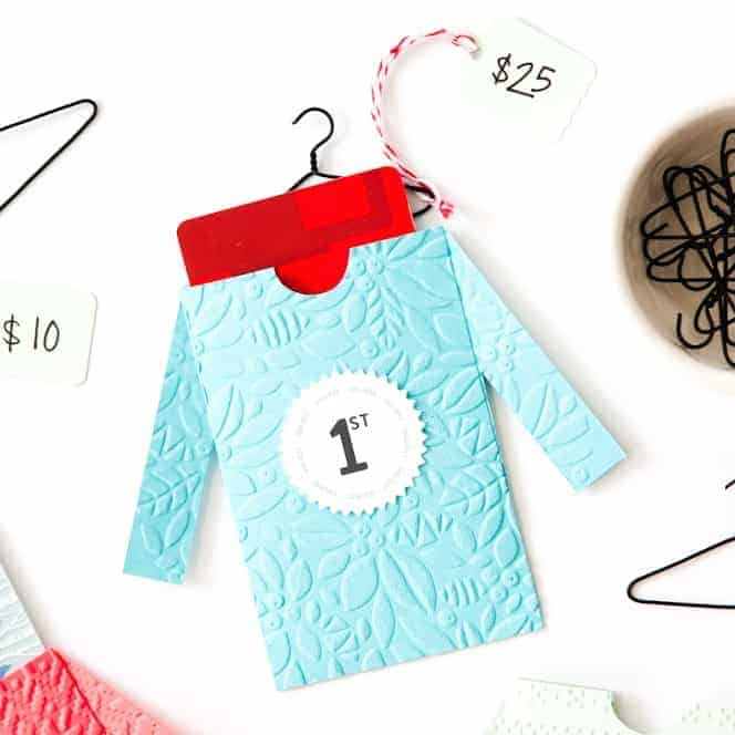 Make these cute DIY sweater gift card envelopes for fun Ugly Sweater Party prizes! Includes free printables from Design Eat Repeat!!