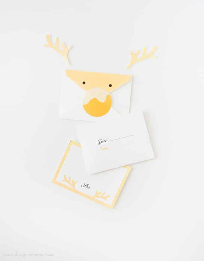 These reindeer envelopes are so adorable and easy to make with the printables from Design Eat Repeat! The entire set is free and comes with the envelope, notecard, and sticker nose template! Great holiday idea!
