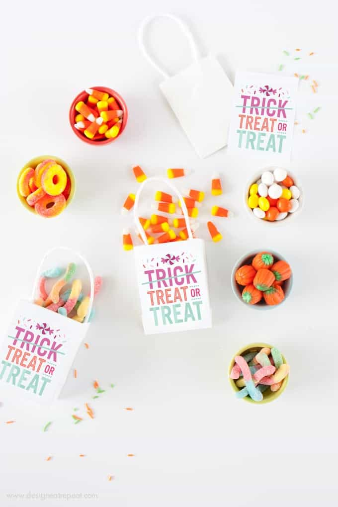 """Treat or Treat"" Halloween Treat Bags by Design Eat Repeat"