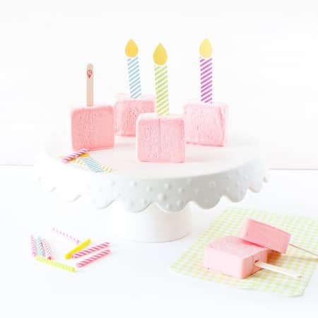 Turn ordinary popsicles & sorbet bars into frozen birthday cakes with these free candle printables! Attach one to each popsicle stick for a easy birthday treat!!