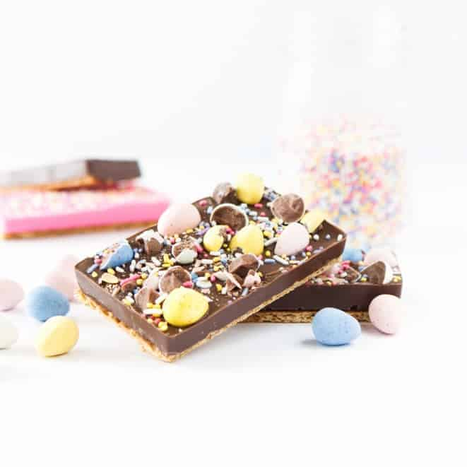 Using a silicon candy mold, you can make these Homemade Easter Chocolate Candy Bars to give out as festive treats!