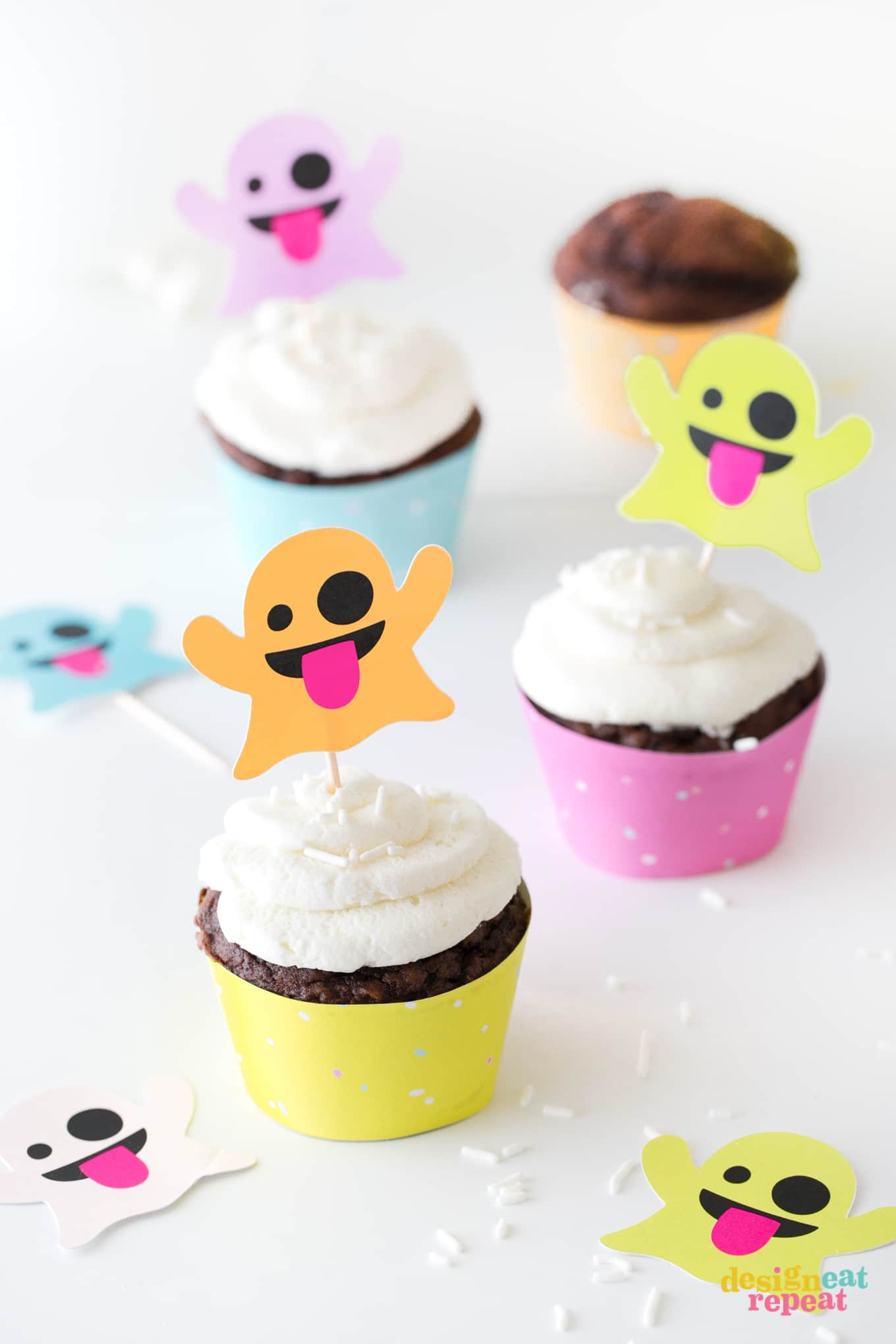 Emoji Ghost Cupcake Toppers