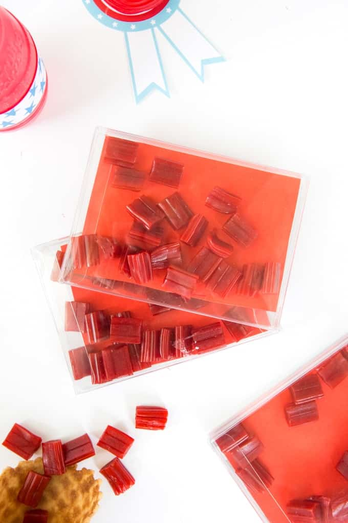 How to put together a Fourth of July Treat Bar + Free Printables!