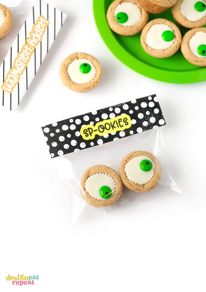 Reeses peanut butter cup cookies made into eyeballs into Sp-ookies treat bag.