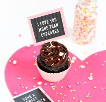 Free Printable Valentine Cupcake Toppers – Mini Letterboards!