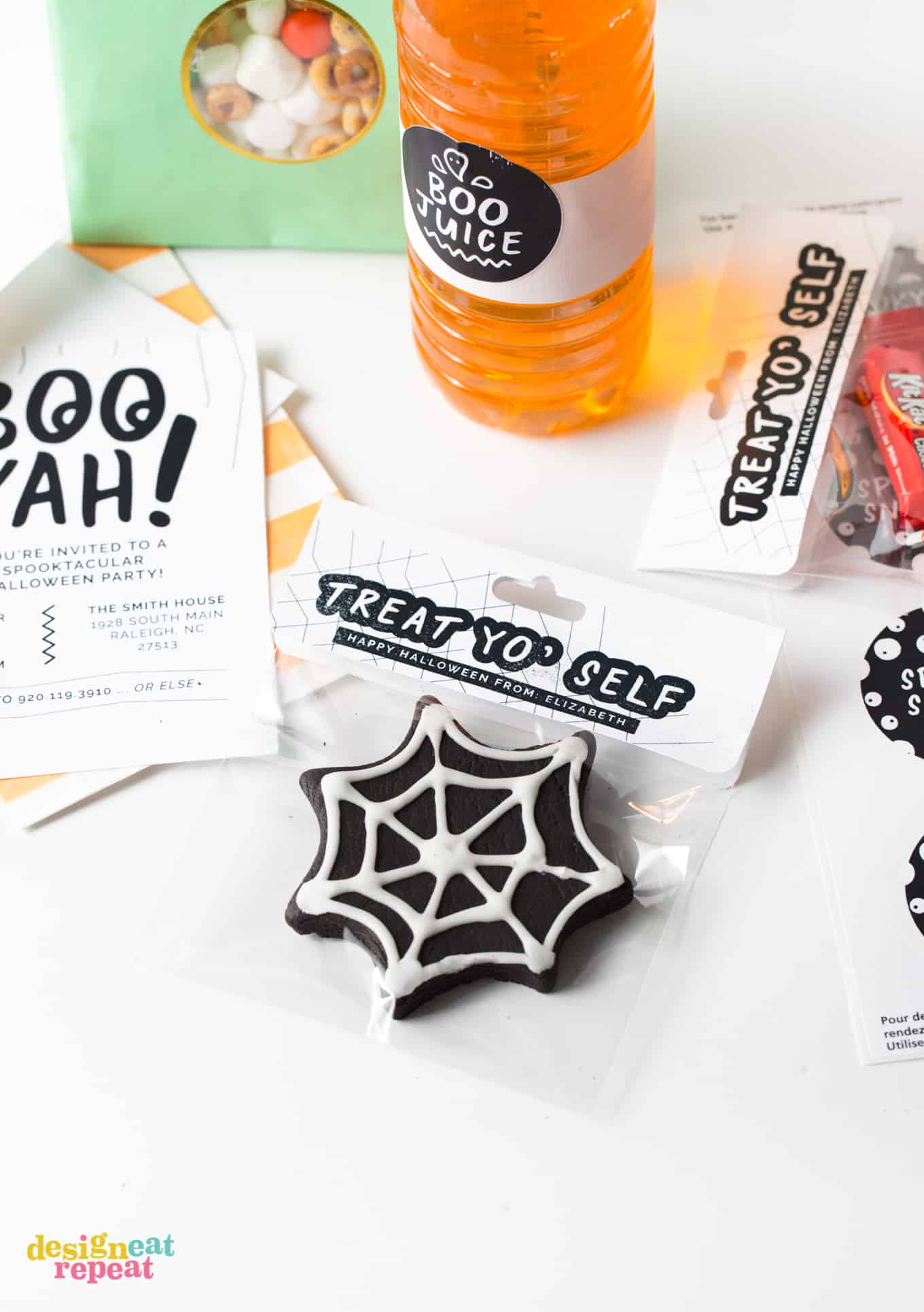 Throw the ultimate Halloween bash with this set of 3 black and white Halloween party printables! Designed for easy printing on Avery products, these printables can help you make the cutest Halloween party invitations and party favors! #Halloween #Printables // www.DesignEatRepeat.com