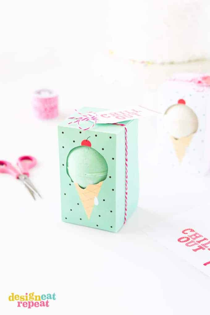 "Gift bath bombs in these adorable ice cream themed ""Chill Out"" bath bomb gift boxes! Free to download at Design Eat Repeat!"